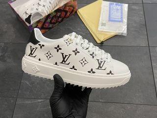Louis Vuitton Sneakers White & Black Unisex