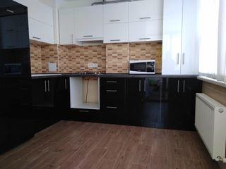 Apartament cu 2 camere 52 mp in bloc nou, or. Singera!