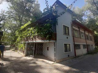 Продаю дом-дачу 105м2 в Вадул-луй-Водэ в 25м от Днестра в парковой зоне!