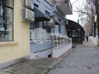 Afacere activă, restaurant, Centru, 170 mp, 300000 € .