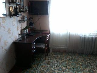 Продам 3-х ком.квартиру,Буюканы ул.Алба-Юлия напротив з-да Альфа-41500е,торг