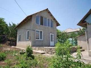 Меняю дом 65м2,4сотки,в Гратиештах,котилец на 2 комн.квартиру+5000евро!