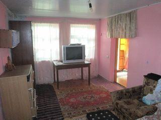 Продаю дом 63м2 на участке 6 соток земли, в центре Грэтиешть