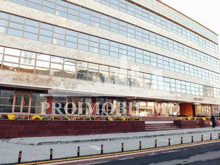 Noul centru de oficii, prima linie, parcare, 2220 mp