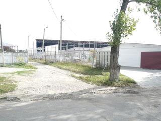 ангар и участок - строительный рынок Бендер