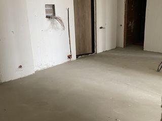 Urgent/ negociabil / 72 m.p. /  varianta alba cu podea calda / direct de la proprietar