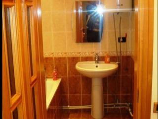 Se vinde apartament cu 2 odăi. Schimb la Chișinău + bani