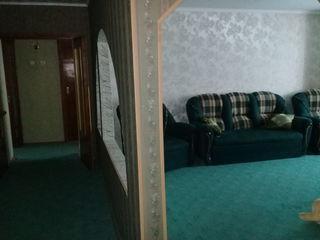Apartament cu 3 camere la tricotasca
