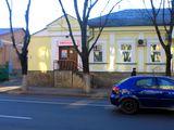 Perfect pentru frizerie! Centru, str.Bucuresti, 35m2, et.1/2, cu utilaj!