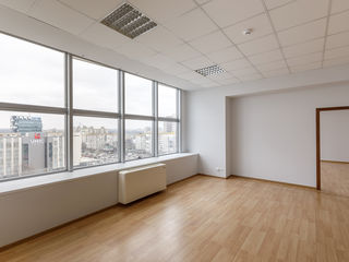 Birou ultra modern de 112 m2 în centrul Chișinăului