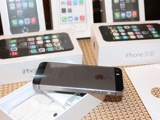 iphone 5S 16gb /32gb Gold, Space Grey, Silver.