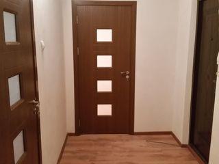 Срочно 2-комнатная, 10 квартал, новый евро ремонт, 1 этаж из 9, (окна высоко), 23900 euro, торг!
