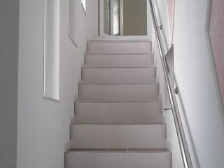 Apartament cu 2 etaje ,teren 5 ari ,beci