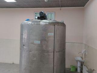 Se vinde omogenizator inox 10t / продается  гомогенизатор нержавеющая сталь