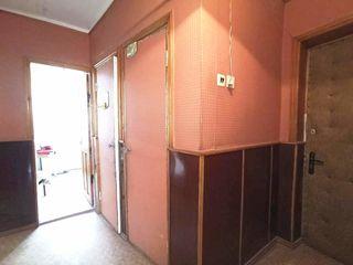 Продаётся 3х ком квартира в Глодянах, 73м2, с гаражом 43м2, 3 этаж/5 этажного дома, ул.дечебал 55