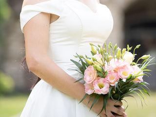 Счастливое свадебное атласное платье, молочного цвета(футляр и круг в подарок)