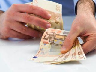 Bani, la % procente, credite - pentru persoane fizice de la 2 000 euro până la 25 000 euro. Perioada