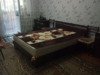 Apartament cu 2 camere, buiucani, 200 euro