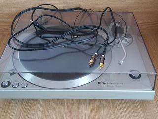 Проигрыватели виниловых дисков : Technics SL-1401 и Technics SL-QL15