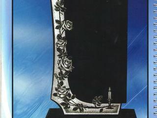 Reduceri în luna Aprilie monumente de 1 metru 2999 lei памятники !