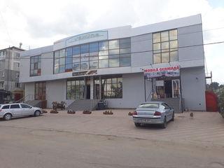 Spatiu comercial in chirie 800 mp in Hincesti