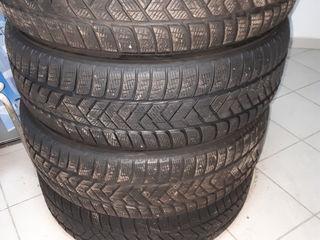 Pirelli 235 65 19