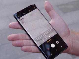 Samsung Galaxy Note 8  Треснуло стекло – на ремонт отдавай нам!