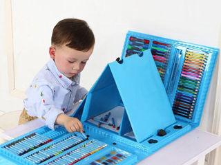 Набор для детского творчества для рисования в чемоданчике с мольбертом 208 предметов