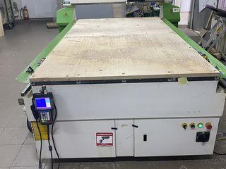 Vind frezer CNC 1300 mm x 2500 mm