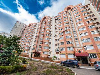 Apartament 3 camere + antreu mare + garderobă, parcare subterană.