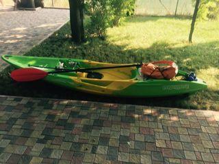Kayak  каяк (лодка ) Новый 500euro