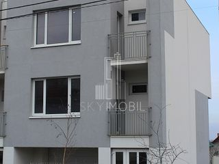 Townhouse, 3 nivele, 215 m2, Stauceni