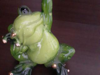 Куплю! фарфоровые лягушки (и др.) зеленые.