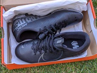Продам новые бампы Nike Mercurial