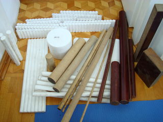 Текстолит, фторопласт, эбонит, оргстекло, латунь круг диаметр 100 мм длина 220 мм.