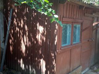 Продам 1-комнатную квартиру на земле в Центре города Новые Анены
