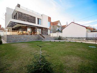 Centru, chirie, casa, stil high tech,  2750€