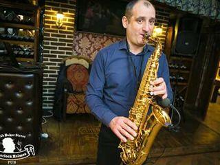Саксофонист !  Saxofonist!  Saxophone!