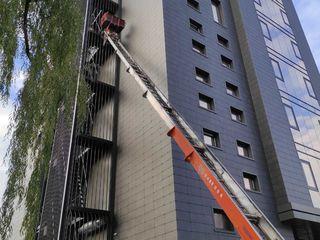 Lift mobil , scara pentru ridicarea materialelor