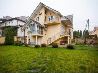 Casa in 3 nivele design individual cu mobila si tehnica pe str. Ablov.