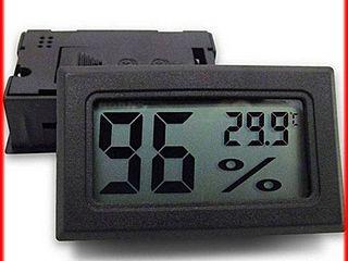 Настольный комнатный термометр с индикатором влажности воздуха 80 лей  метеостанция с часами-220 лей
