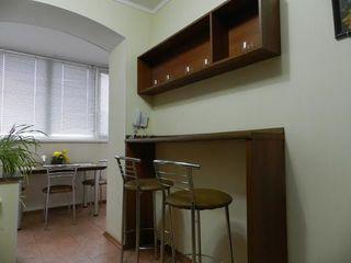 Апартамент на сутки - 600 лей,от 2 суток - 500 лей - ул.Штефан чел Маре 3 .сдаем 24/24.