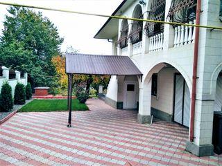 Casa dotata de toate conditiile pentru trai cu comfort in Ialoveni str.  P. Zadnipru. 85 000 euro.