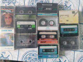 Кассеты для магнитофона, коробочки для CD-ROM