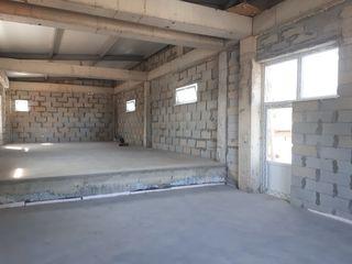 Продаем офисно-торговое помещение 250м2 на Мунчешть! Первая линия!