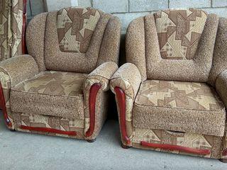 Кресла раскладные разные ,мягкая мебель,бытовая техника  в хорошем состоянии!