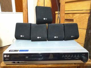 DVD Receiver LG LH-T3526S c FM-radio, Karaoke, USB