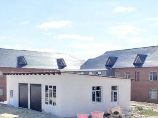 Orhei satul Cișmea complex de garaje.