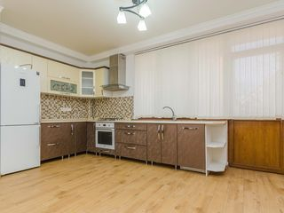 Se oferă în chirie apartament nou cu euroreparație, 135 m.p, sect.Ciocana,650 €