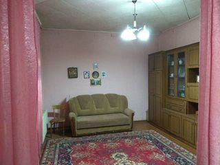 Продается часть дома 2 комнаты 52 кв.м. санузел, водопровод, канализация, современный твёрдотопливны
